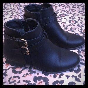 Black ankle booties 6 1/2
